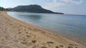 Veduta della spiaggia di Toroni