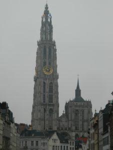 Cattedrale di Nostra Signora vista da lontano