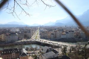 Primissima immagine di Grenoble dall'alto.