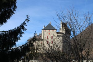 Castello di Menthon Saint-Bernand dalle mura di cinta