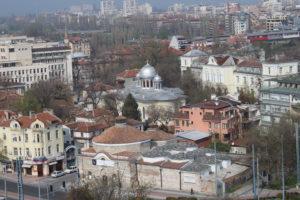 Chiesa dei Santi Cirillo e Metodio in lontananza