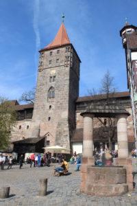 La piazza che ospita la Tiergartnertor