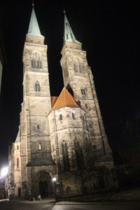Chiesa di San Sebaldo in notturna