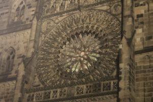 Dettaglio della Lorenz Kirche in notturna