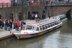 Il giro dei canali per turisti sta per partire