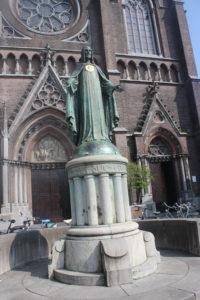 Statua di fronte alla St. Jozef Kerk