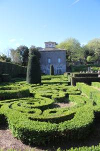 Cura maniacale del Giardino all'italiana