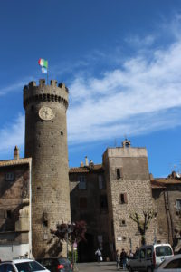 Torre dell'Orologio e porta del Borgo