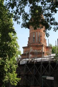 """Biserica Sfantul Gheorghe """"puntellata"""" per i lavori"""