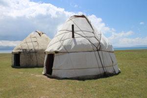 La yurta dei pastori e la yurta ristorante