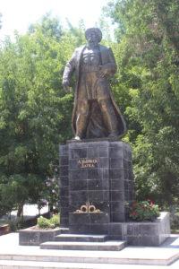 Statua dedicata ad un personaggio locale