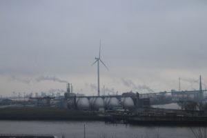 Scorcio dell'area industriale fluviale sull'Elba