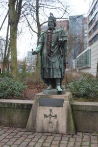 Statua di Carlo Magno