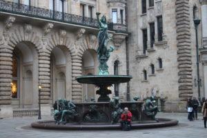 Nel Piazzale interno del Municipio