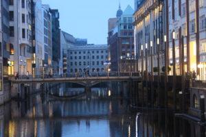 Scorcio su un canale di Amburgo