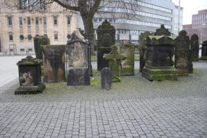 Tombe accanto alla Nikolaikapelle