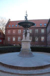 Fontana dedicata a George Severin Kayerod