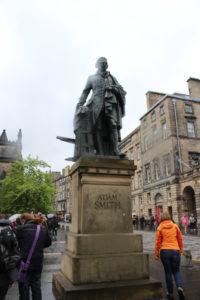 Monumento ad Adam Smith