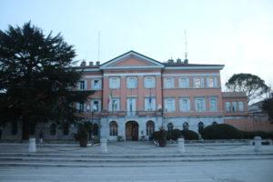 Edificio che ospita la Prefettura