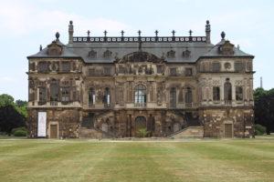 """Dettaglio del """"Palais Grosser Garten"""""""