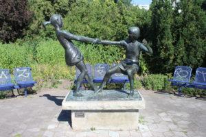 Statua sul lungofiume - 1