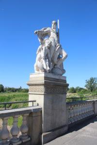 Una delle sculture dello Zollbrucke