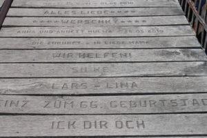 Hubbrucke - le tavole incise con i nomi dei donatori