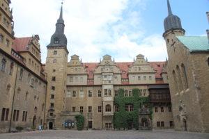 Nel piazzale del Castello di Merseburg - 1
