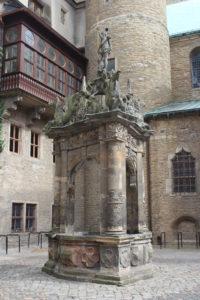 Nel piazzale del Castello di Merseburg - 2