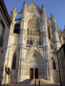"""Cattedrale di Beauvais vista da """"Rue Jean Vast"""""""