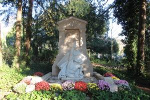 Cimetiere de la Madelein - la tomba di Jules Verne