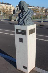 James Cook su Pont Boieldieu