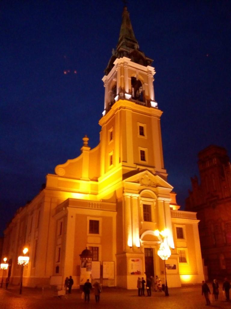 Chiesa dello Spirito Santo in notturna