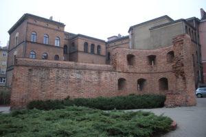 Ciò che rimane delle mura di Poznan