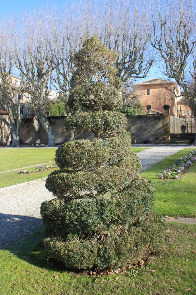 Dettaglio del giardino francese del Pavillon de Vendome