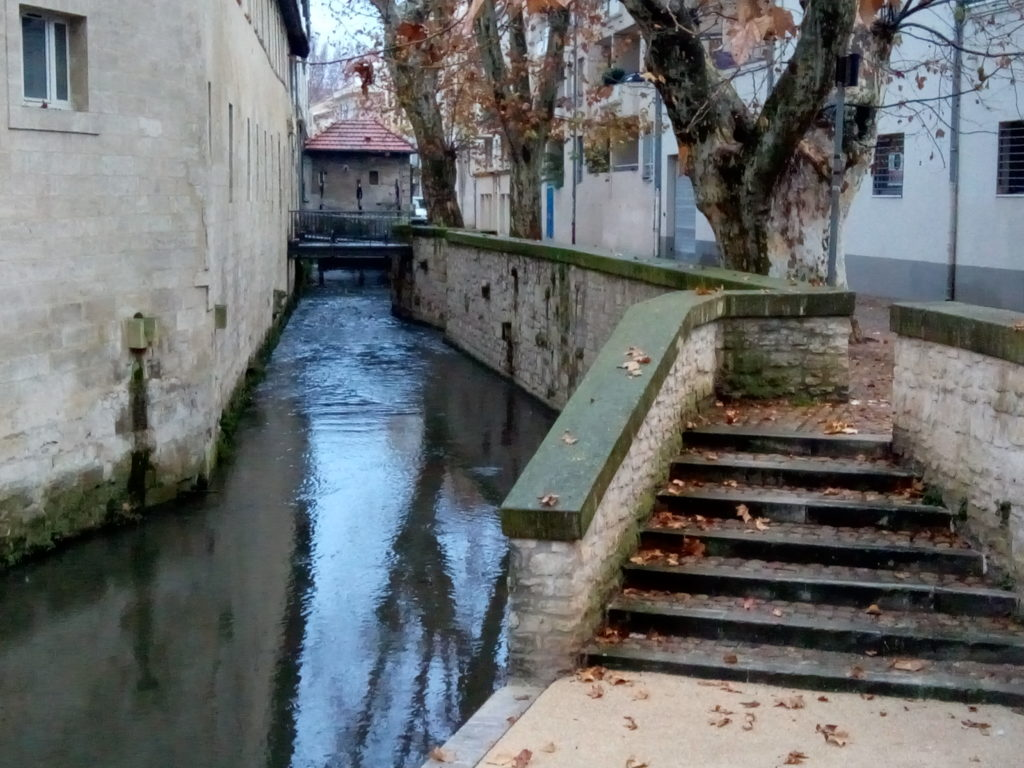 """Il primo colpo d'occhio di """"Rue des Teinturiers"""""""