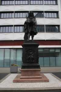 Dedicata a Gottfried Wilhelm Leibniz