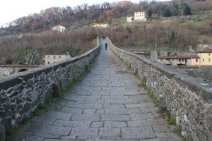 Dettaglio della salita del Ponte del Diavolo