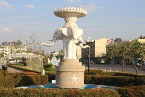 Fontana con Elefanti