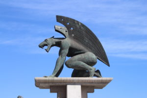 Gargoyle che protegge Pont del Regne