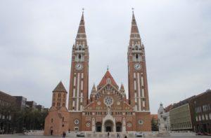 Duomo di Seghedino - Facciata