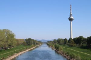Il fiume Neckar e la Fernmeldeturm
