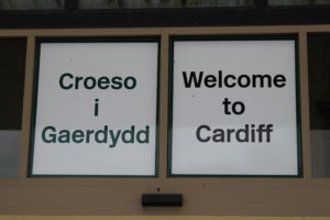 Benvenuti a Cardiff in gallese ed inglese