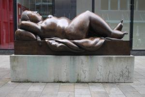 La Donna Distesa di Fernando Botero