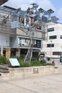 Millennium Square - Albero di pannelli solari