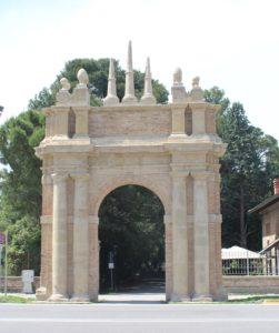 Parco Miralfiore - Arco di ingresso