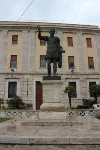 Statua di Traiano