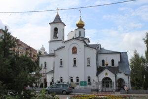 Chiesa su Prospekt Chernyakhovskogo