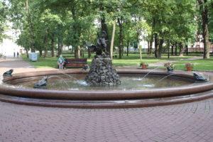 Fontana Mal'chik S Lebedem