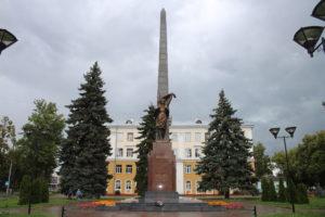 Komsomol members monument